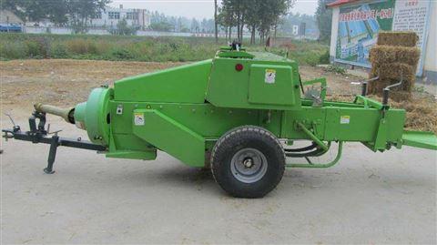 拖拉机牵引打捆机