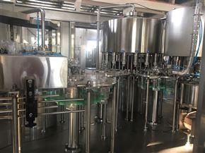 全自動瓶裝純凈水灌裝機生產線設備