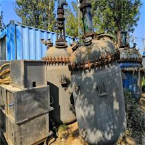 二手2噸搪瓷反應釜供應