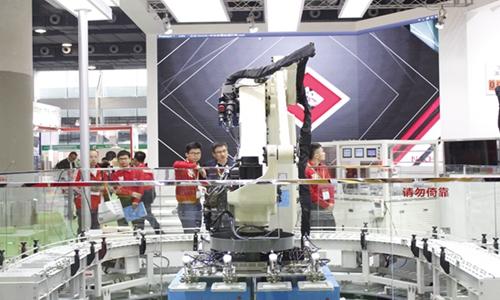 """""""机器换人""""成效显著 人工智能人才培养在即"""