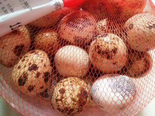 蛋制品加工率在提升 鹌鹑蛋剥壳机去壳质量待提高